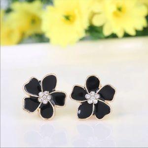 Clip on flower shape enamel earrings
